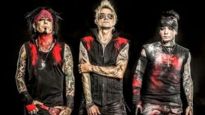 "Sixx: A.M. Encourage Opioid Users to ""Talk to Me"""
